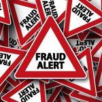क्रेडिट कार्ड या ऑनलाइन बैंकिंग फ्रॉड (Credit Card Fraud) की स्तिथि में क्या करें?